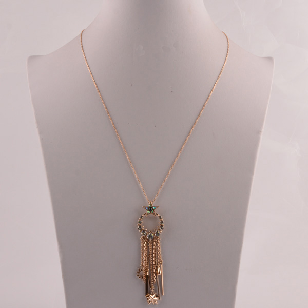 907447 Lady Long Necklace