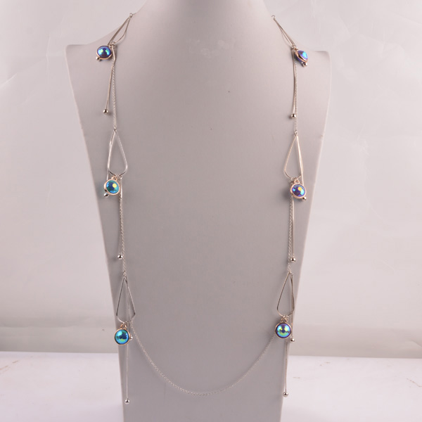 907448 Lady Long Necklace