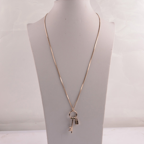 907489 Lady Long Necklace