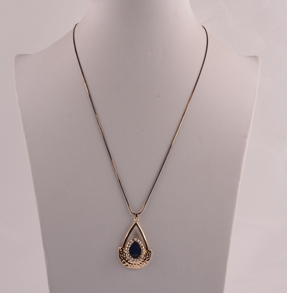 907532 Lady Long Necklace