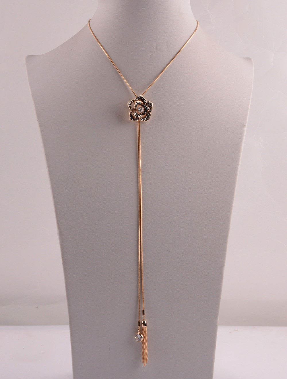 907535 Lady Long Necklace